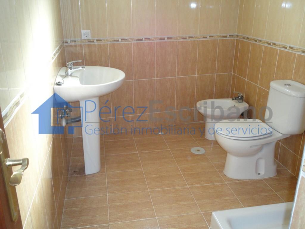 Casa a estrenar zona la condesa inmobiliaria p rez - Cuartos de aseo con ducha ...