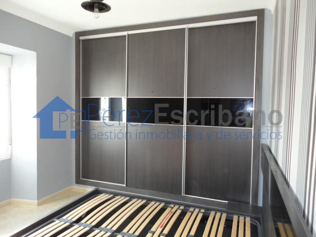 Dormitorios con armarios empotrados decorar armarios empotrados modernos with dormitorios con - Armarios empotrados para entradas ...